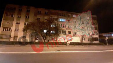 Photo of Autoritățile NU AU dezinfectant! Vecinii italianului de la blocul din zona Gârdu din Târgu-Jiu, puși să strângă bani pentru dezinfecție!