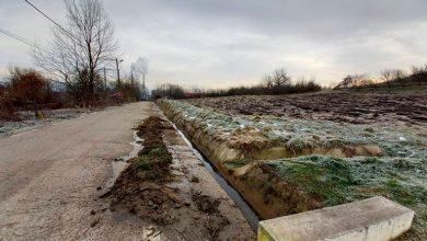 Photo of Procesul de curățare a rigolelor și a șanțurilor, continuă la Turceni